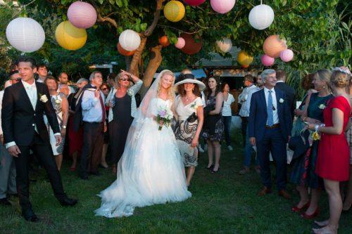 trouwfeest in een tuin op Sicilië
