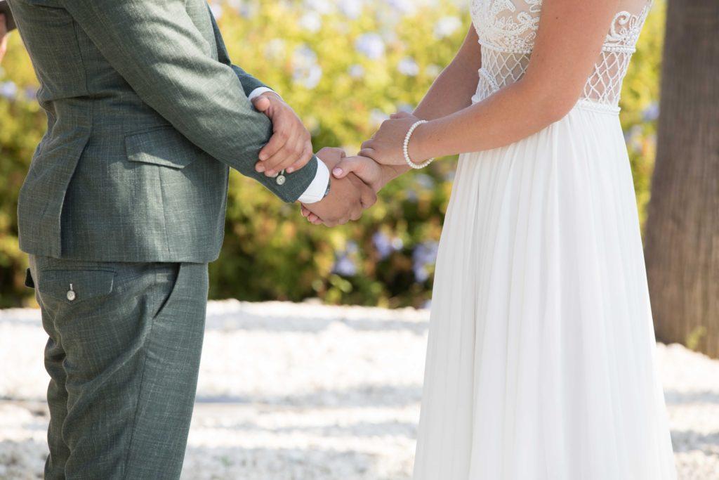 bruidspaar geeft Ja woord